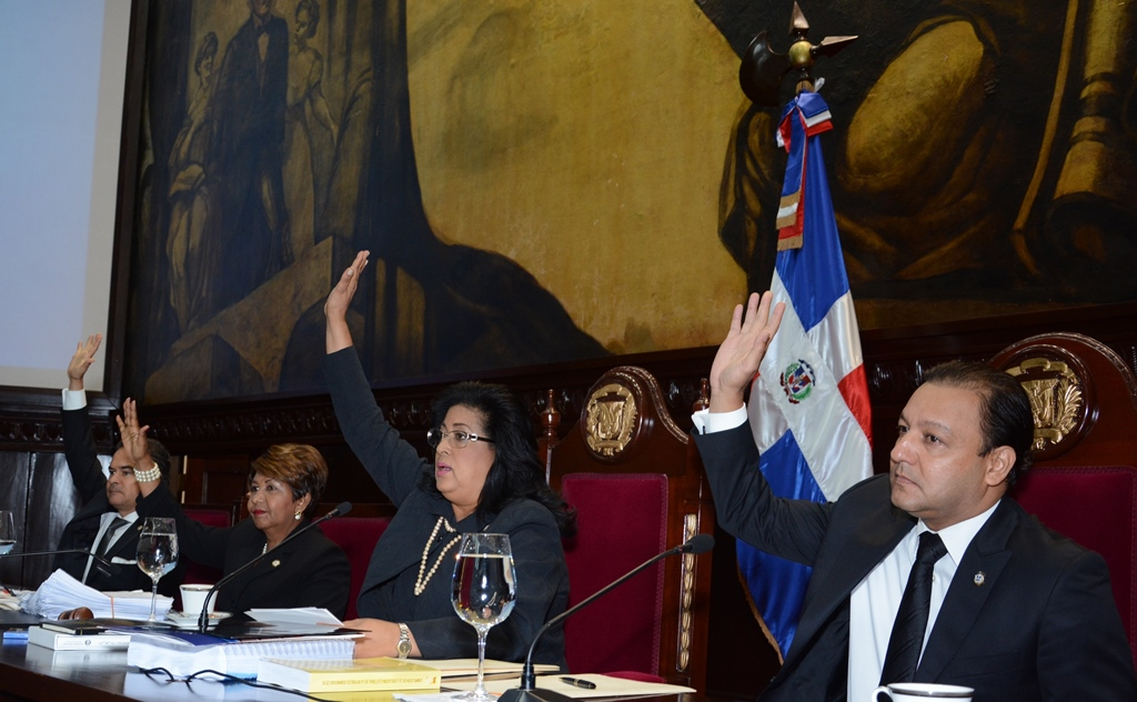Asamblea Nacional proclama a Danilo y Margarira