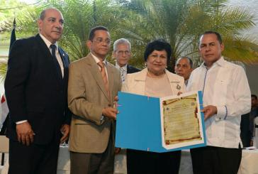 Oficina senatorial de la provincia Espaillat reconoce a Ligia Amada Melo