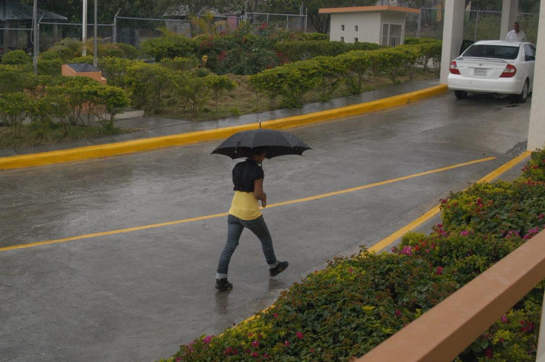 Vaguada y onda tropical se alejan de territorio nacional