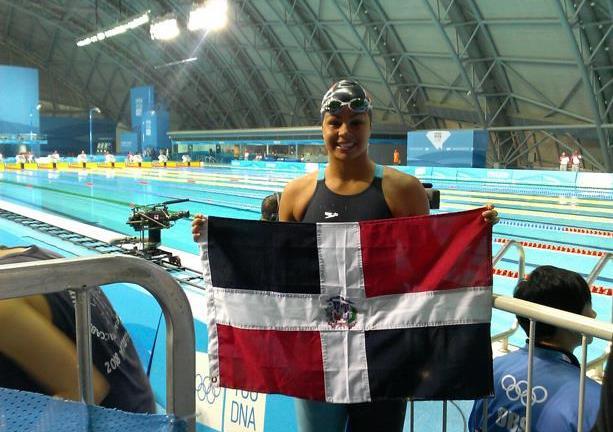 Nadadora dominicana logra buen tiempo pero no clasifica