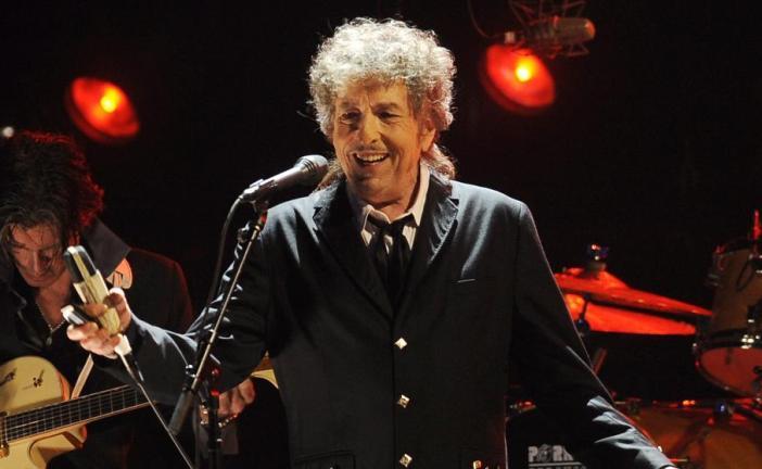 Bob Dylan rompe el silencio sobre Nobel de Literatura