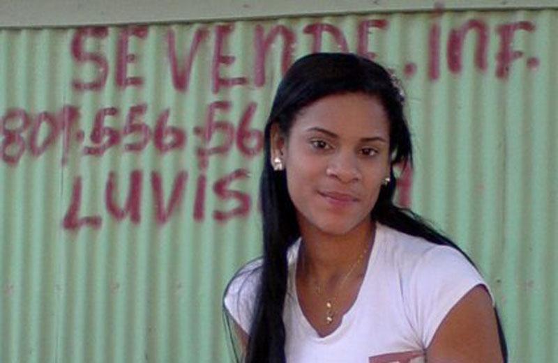 Policía interroga a muchacha que era novia y viajaba con socio de Percival Matos