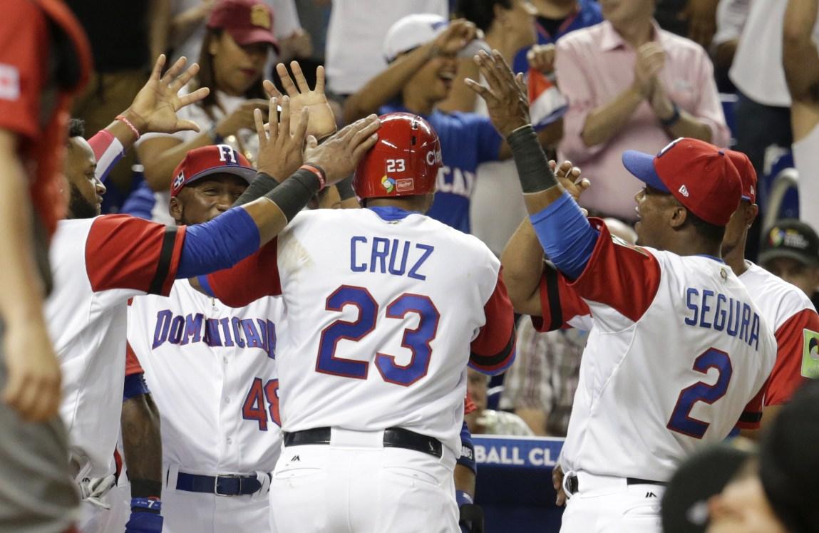 República Dominicana derrota 9-2 a Canadá en el primer juego Clásico Mundial