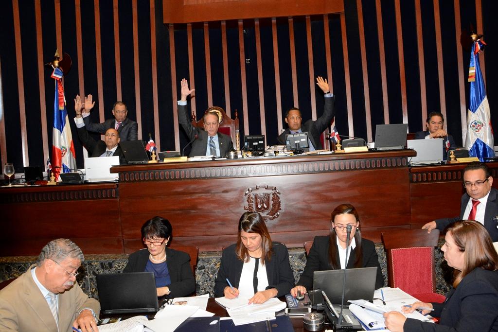 Senado ratifica nombramientos de varios embajadores