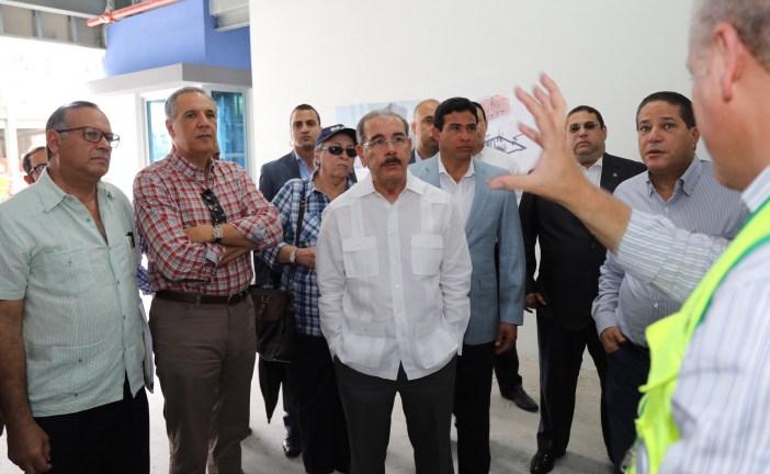 Danilo Medina supervisa avances de la Ciudad Sanitaria Luis Eduardo Aybar