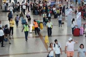 En Santo Domingo cientos de pasajeros varados debido a tormenta en Estados Unidos
