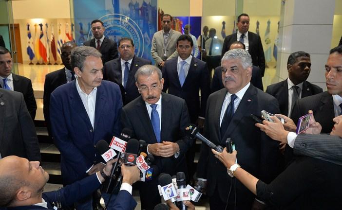 Danilo Medina asegura diálogo sigue en pie, pero opositores reculan