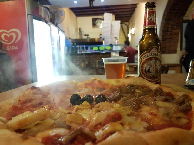 Pizza en Il Borgo della Pizza, en Florencia.