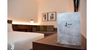 Jhotel