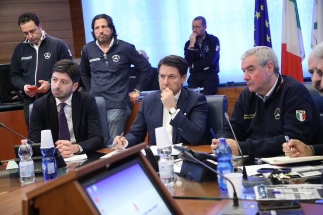 Speranza, Conte y Borrelli