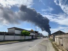 Incendio en fábrica de Venecia.