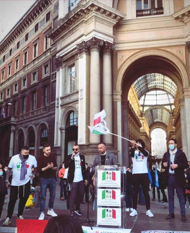 Las manifestación de #IoApro llegaron a Roma, Milán y otras grandes ciudades (Foto: Facebook Io Apro)