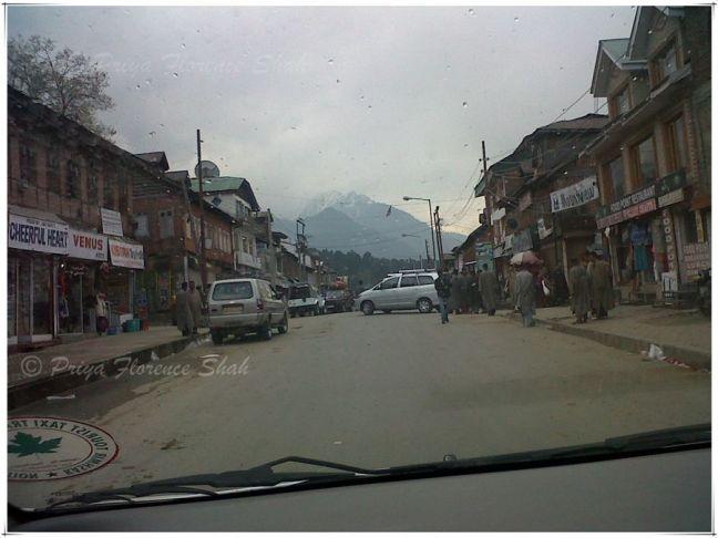 Main street in Pahalgam town