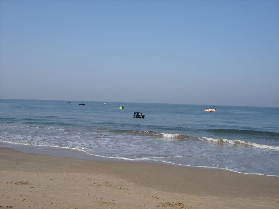 The blue waters of Baga beach