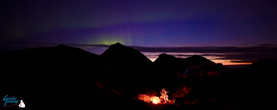 GuideGunnar's Northern lights chase including bonfire experience