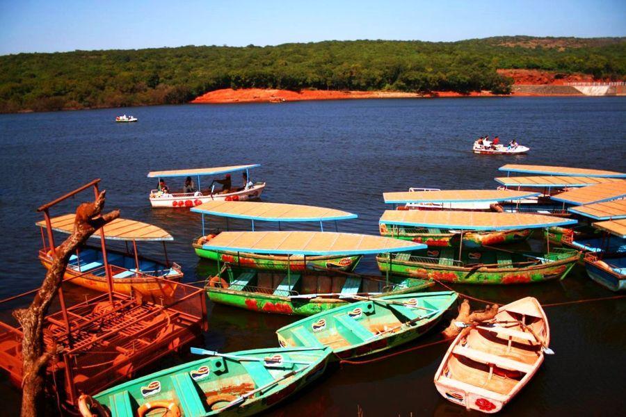 Boats_On_Venna_Lake