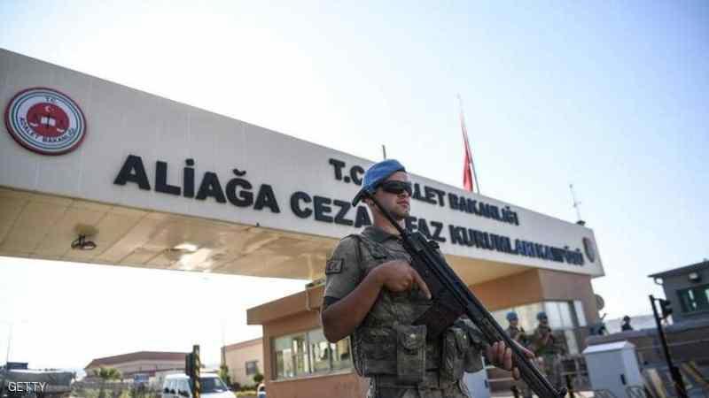 بعد محاولة الانقلاب.. أكثر من نصف مليون تركي أمام القضاء