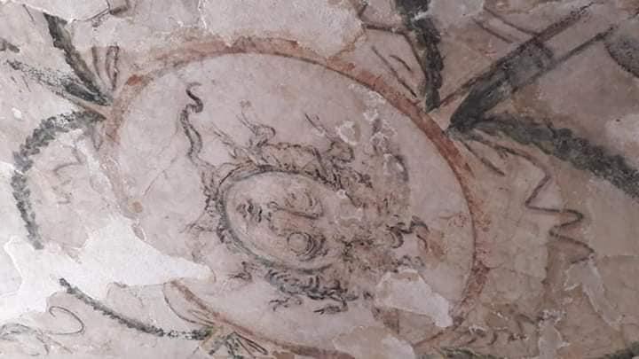 ترميم مقبرتي الورديان بمنطقة آثار كوم الشفافة