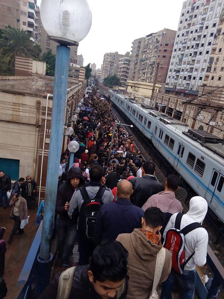 عاجل : عودة حركة المترو بعد توقف نصف ساعة في محطة المرج