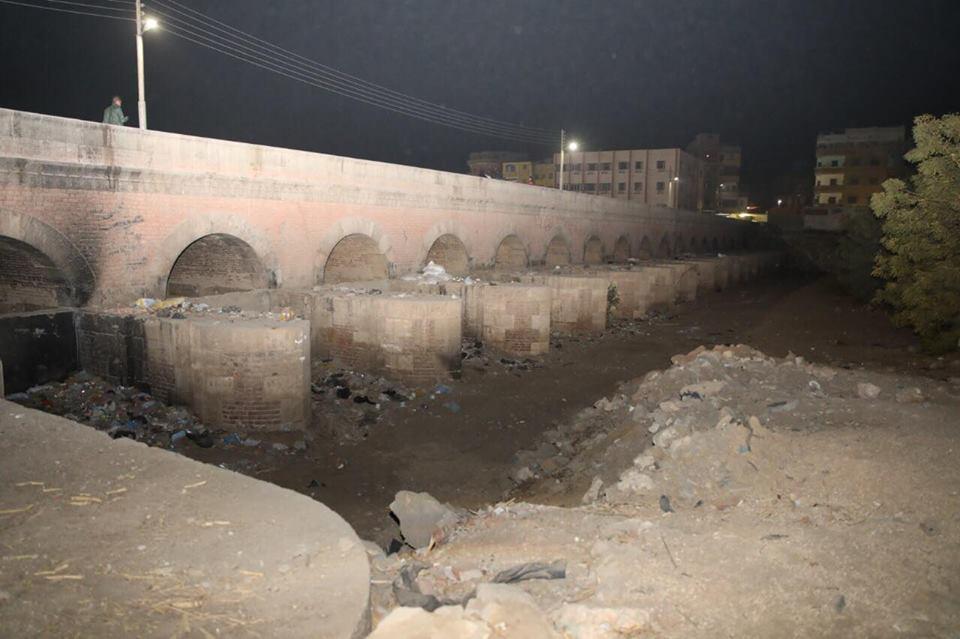 محافظ سوهاج يتفقد قناطر الهويس الأثرية بحي غرب سوهاج