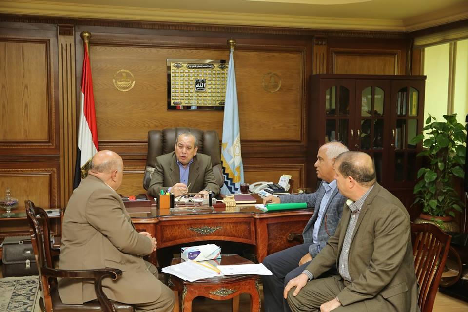 محافظ كفرالشيخ : يعقد اجتماع لتشكيل لجنة للبدء في استلام خطوط الانحدار لمحطة قرية محلة موسي