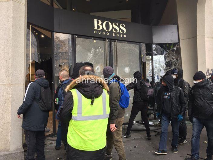 السترات الصفراء..أعمال تخريبية وتظاهرات عنيفة تعصف باستقرار باريس
