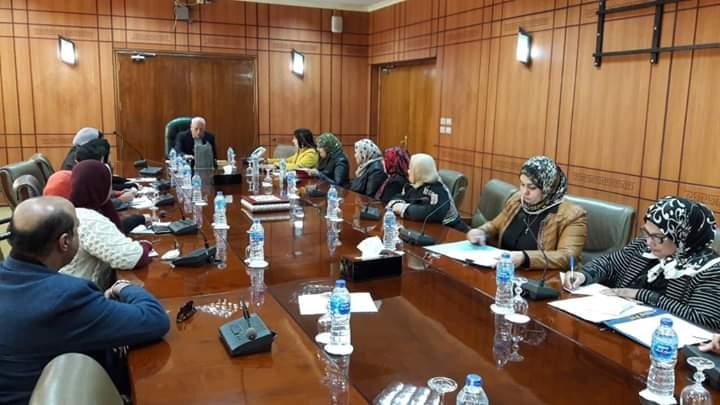 محافظ بورسعيد يلتقي بالمجلس القومي للمراة بالمحافظة