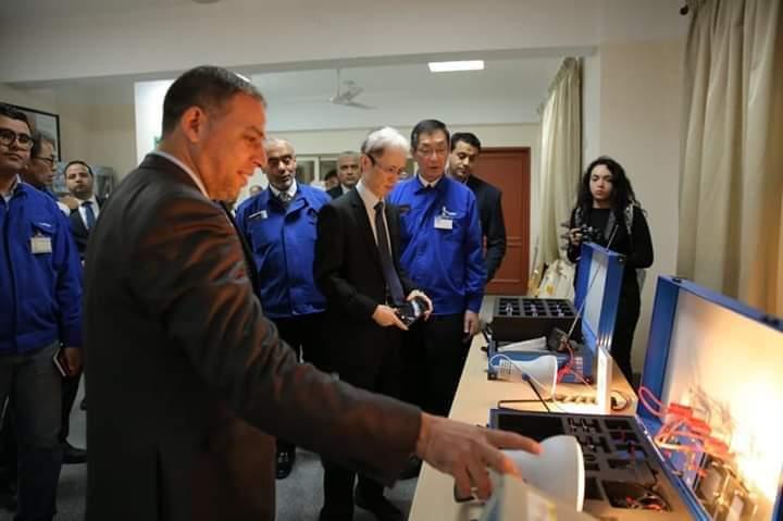 السفير الياباني ماساكي نوكي يزور مدرسة العربي للتكنولوجيا التطبيقية