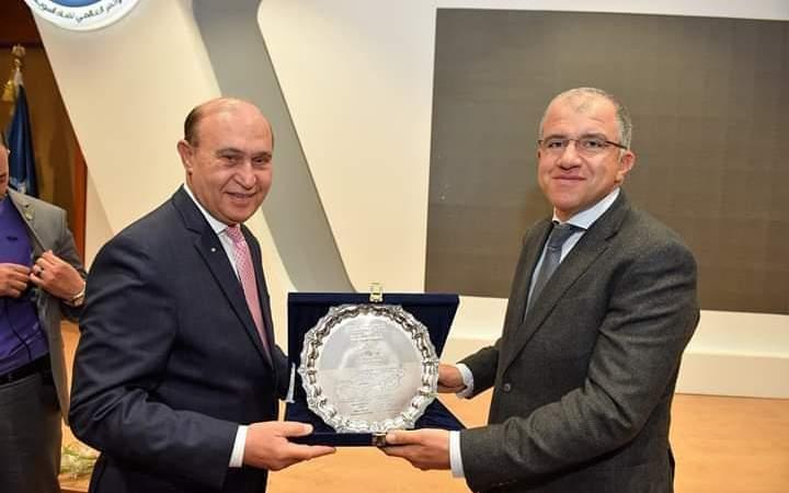 مميش : يستقبل نائب وزير الاقتصاد اليوناني ورئيس اتحاد الصناعات المصرية