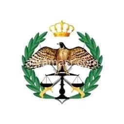 قوة أمنية تداهم كبار مهربي وتجار المخدرات في البادية الشمالية وتلقي القبض على ثمانية منهم وتضبط موادا مخدرة وسلاحا ناريا.