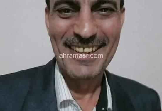 شاعر يعشق تراب مصر