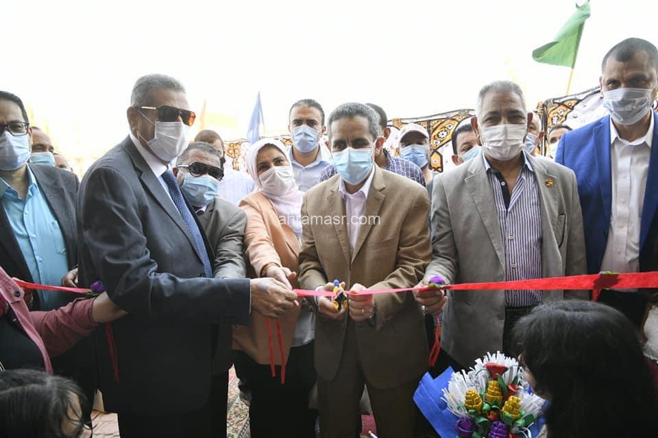 محافظ الغربية يفتتح مدرسة هند المنزلاوي بسمنود
