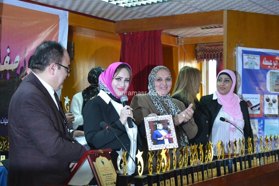 رانيا عثمان تكتب الإعلامية مي مرغني تبدع في عالم المحجبات