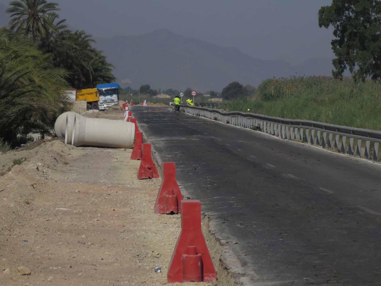 Obras de ensanchamiento de la carretera CV-861