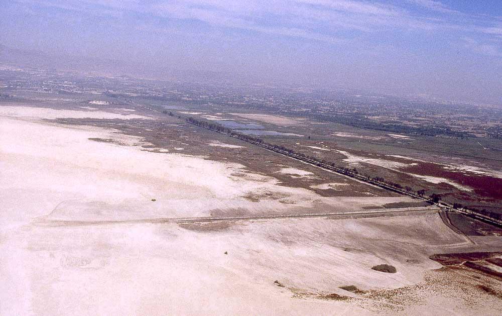 Embalse de Poniente completamente seco en 1995 (L. Fidel)