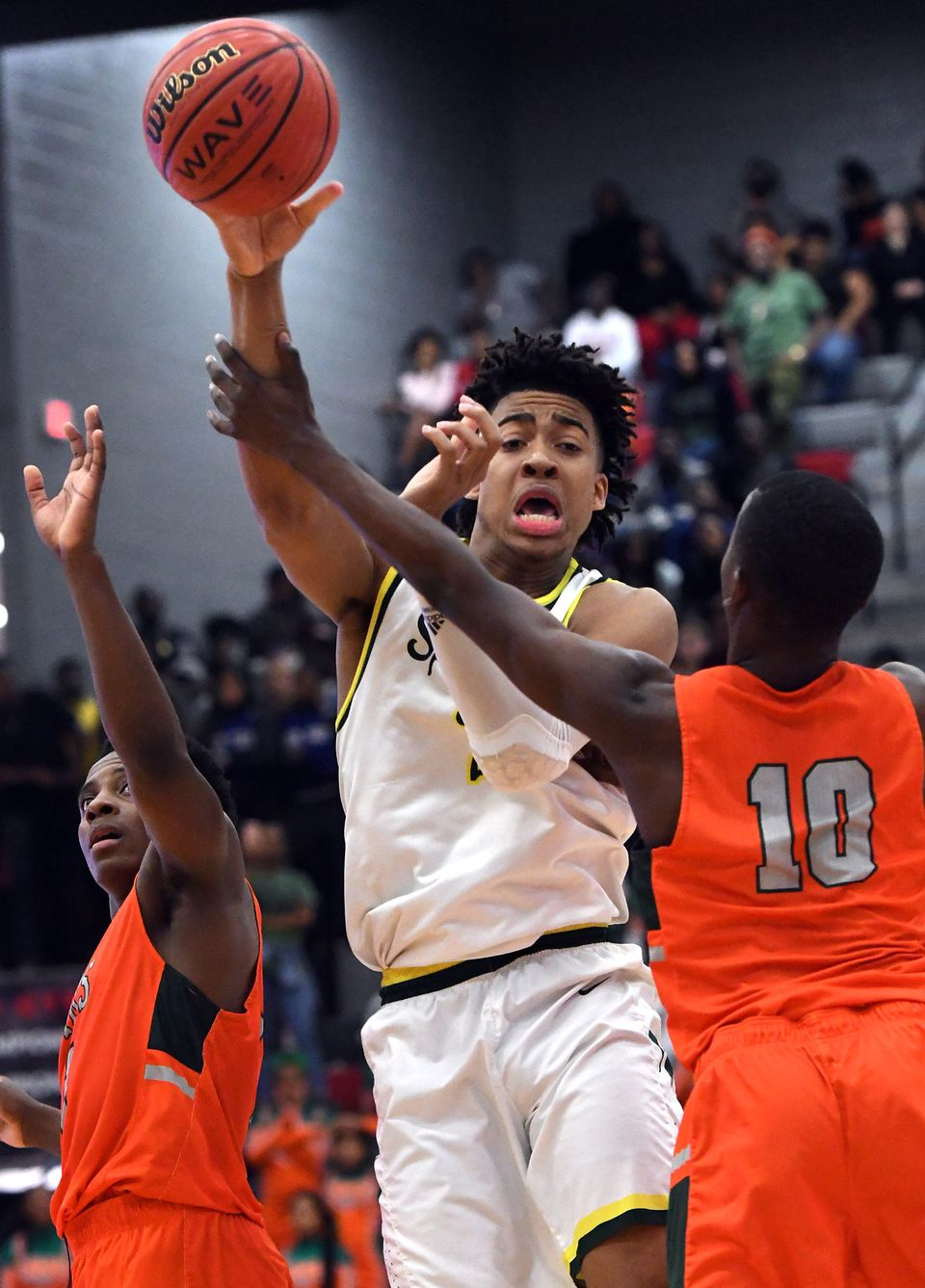 Mountain Brook's Trendon Watford Becomes AHSAA Career Rebound Leader in Hewitt Win