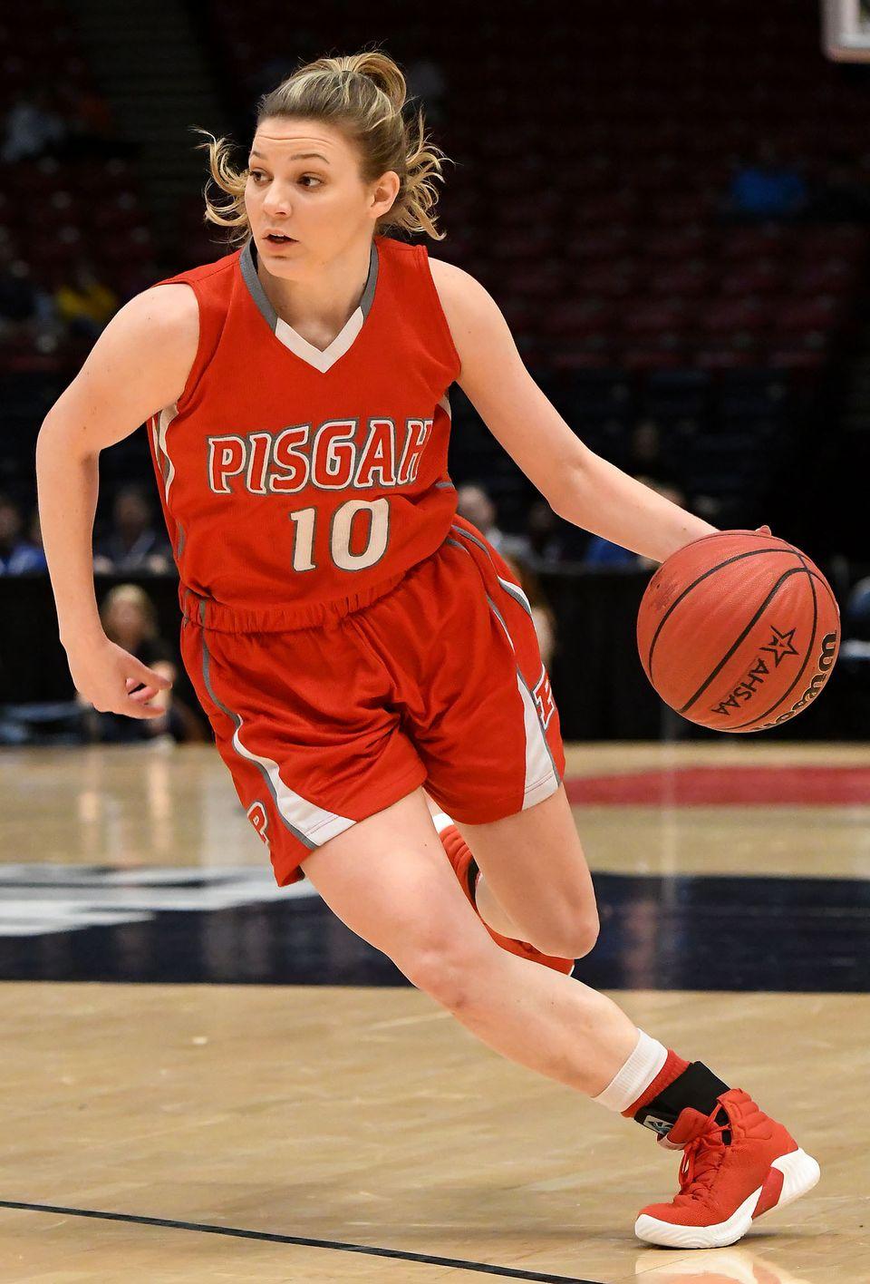 Pisgah's Annie Hughes, Mountain Brook's Trendon Watford Named ASWA Miss Basketball & Mr. Basketball