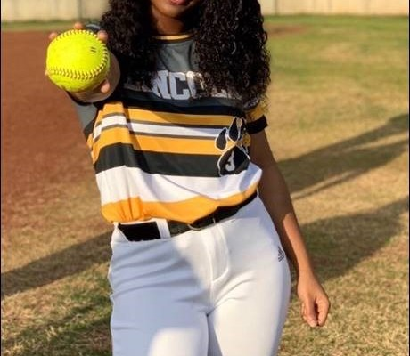 Lincoln's Christavia Curry Turns in Perfect Performance as the Lead-Off Hitter