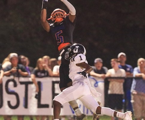 Montevallo Scores 9 TDs and Seven 2-Point Conversions to Beat Jemison 68-40