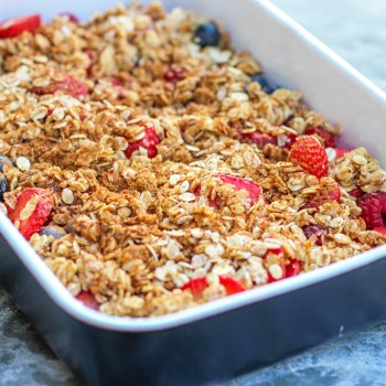 Summer Berry Oat Crumble