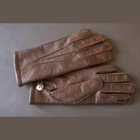 Handmade pecari gloves / Fedett pekari kesztyű