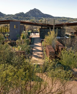 2012 Honor Award – Architect: JJR + Floor Landscape Architecture – Location: Scottsdale, Arizona