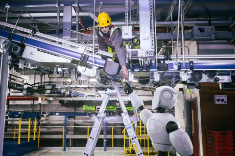 Ocado's maintenance robot, SecondHands