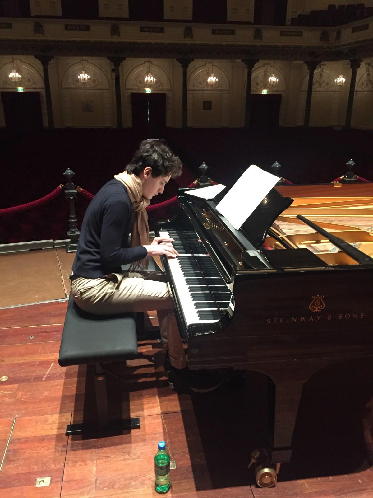 Aidan Mikdad wins the Concertgebouw Young Talent Award