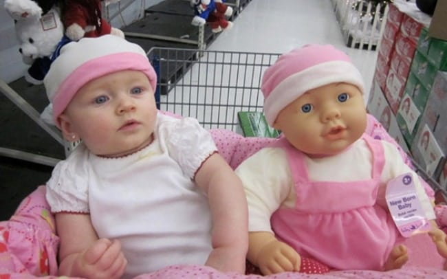 1026910-babies-and-look-alike-dolls-6__605-650-e2b0f06028-1473155253
