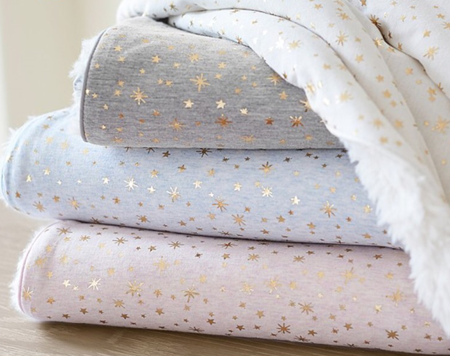 Luxurious and Safe Organic Baby Blankets