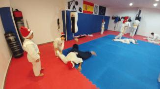 aikido-kids-infantil-y-juvenil-entrenamiento-navideno-2016-defensa-personal-aikido-aikikai-san-vicente-del-raspeig-al_04
