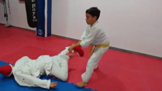 aikido-kids-infantil-y-juvenil-entrenamiento-navideno-2016-defensa-personal-aikido-aikikai-san-vicente-del-raspeig-al_112