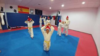 aikido-kids-infantil-y-juvenil-entrenamiento-navideno-2016-defensa-personal-aikido-aikikai-san-vicente-del-raspeig-al_12