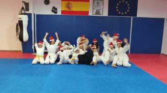 aikido-kids-infantil-y-juvenil-entrenamiento-navideno-2016-defensa-personal-aikido-aikikai-san-vicente-del-raspeig-al_141
